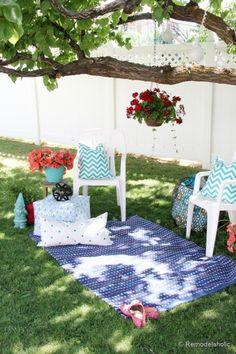 10 Tips for Creating a Welcoming Backyard Retreat remodelaholic.com #backyard #tips