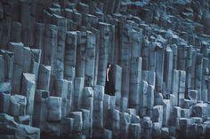 """""""De vez em quando Deus me tira a poesia. Olho pedra, vejo pedra mesmo."""" (Adélia Prado) Fotografia: Elizabeth Gadd"""
