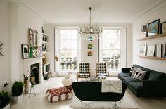 Intérieur de Fanny Moizant Fondatrice de @VestiaireCollective #portrait #femme #parisienne #parisian #girl #women #deco #decoration #inspiration #Livingroom #london