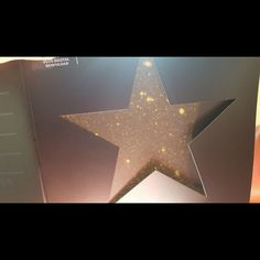 David Bowie Blackstar vinyl, stars appear when left in sun, Reddit