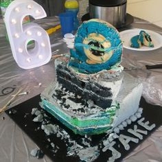Space Galaxy cake demolished!