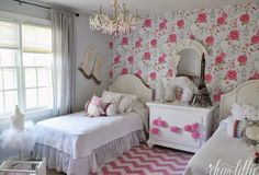 Little girl bedroom makeover. pink patterns and coordinates Jennifer Crotty Holmes - Dear Lillie Pink Bedroom For Girls, Little Girl Rooms, Pink Bedrooms, White Bedroom, Childrens Room, Dear Lillie, Style Deco, Beautiful Bedrooms, New Room