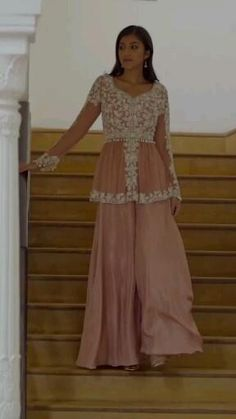 Party Wear Indian Dresses, Pakistani Fashion Party Wear, Designer Party Wear Dresses, Indian Gowns Dresses, Indian Fashion Dresses, Dress Indian Style, Indian Designer Outfits, Indian Outfits, Pakistani Outfits