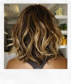 Crikey, without a doubt this must be the most adorable summer hairdo , don't you think? The wavy cut looks super sassy but the blonde highl...