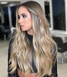 Such a stunning balayage from who used 💣💥 . Ombre Blond, Brown Ombre Hair, Straight Hairstyles, Cool Hairstyles, Natural Hairstyles, Truss Hair, Blonde Hair Looks, Beach Hair, How To Make Hair