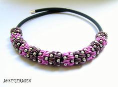 English pattern for the Weaves Necklace by Akkesieraden on Etsy