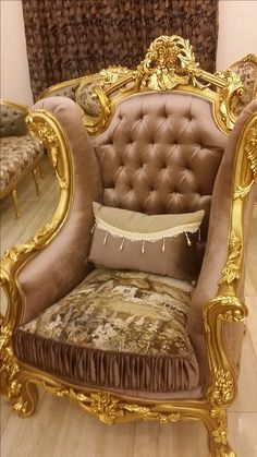 Royal Furniture, Furniture Upholstery, Classic Furniture, Shabby Chic Furniture, Luxury Furniture, Vintage Furniture, Furniture Design, Royal Chair, French Style Chairs