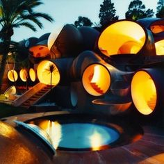 Pierre Cardin's bubble house on the Cote d'Azur. The Bubble House in Cannes (France). In the early eighties, fashion designer Pierre Cardin bought this atypical summer house built by architect Antti Lovag. Photographed by Mai-Linh Architecture Unique, Interior Architecture, Interior Design, Residential Architecture, Classical Architecture, Pavilion Architecture, Sustainable Architecture, Theoule Sur Mer, Bubble House