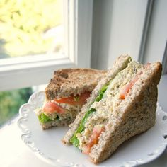 """Vegan Chickpea """"Tuna"""" Sandwich - I wouldn't compare this to tuna salad, but I love this stuff. This is a great base to develop from. Alterations: used the mayo and of the red onion (could probably do without the onion). Tuna Sandwich Recipes, Vegan Sandwiches, Salad Sandwich, Tuna Salad, Vegan Foods, Vegan Recipes, Vegan Meals, Vegetarian Food, Free Recipes"""