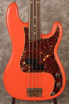 OHHHHH MOMMA! Fender Precision Pino Palladino Signature  Love me some Pino Palladino on the bass.