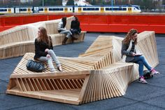 """""""Reef Bench"""" installation © Atelier Remy & Veenhuizen."""