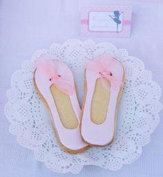 Pink Ballerina: The slipper cookie
