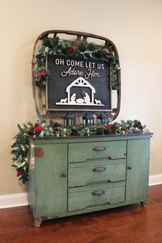 Simple Rustic Christmas Console Table Farmhouse Christmas Decor, Rustic Christmas, Simple Christmas, Christmas Home, Christmas Ideas, Merry Christmas, Natural Christmas, Christmas Nativity, Christmas Crafts