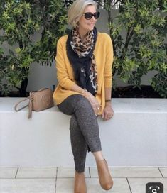 fashion over 50 women casual 50 style Mature Fashion, Fashion For Women Over 40, 50 Fashion, Plus Size Fashion, Fashion Outfits, Fashion Trends, Fashion Women, Fall Fashion, Cheap Fashion