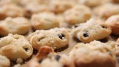Markéta představuje svatební klasicku v netradičním hávu. Ochutnejte, jak chutnají svatební koláčky podle mistryně cukrářky! Cookies, Desserts, Food, Crack Crackers, Tailgate Desserts, Deserts, Biscuits, Essen, Postres