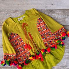 aekelsch on Etsy Garba Dress, Navratri Dress, Stylish Dresses, Fashion Dresses, Kimono Fashion, Boho Fashion, Pom Pom Jackets, Lehenga, Craft Kids
