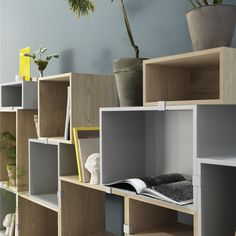 A New Modular System From Finnish Muuto Modular Shelving, Shelving Systems, Scandinavian Living, Scandinavian Design, Deco Jungle, Minimal Decor, Module, Living Room Inspiration, Trendy Tree