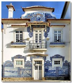 Train station in Aveiro, Portugal. Facade with azulejos Visit Portugal, Portugal Travel, Spain And Portugal, Lisbon Portugal, Portuguese Culture, Portuguese Tiles, Beautiful Buildings, Beautiful Homes, Beautiful Places