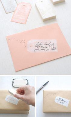 Leuke manier om een adres op een envelop te schrijven. Of om een kaartje op te leuken.