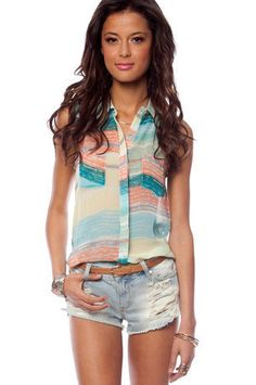 I'm really loving sleeveless shirts! Cute color combo.