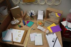 Mark making area from Kathy Walker Play Based Learning, Home Learning, Learning Through Play, Learning Centers, Early Learning, Learning Activities, Teaching Ideas, Outdoor Learning, Teaching Materials