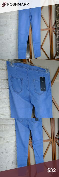 Skinny Jeans Light Blue Sz 30 Fabulous skinny jeans in size 30. Light blue, clean. H.D AUG brand. Jeans Skinny