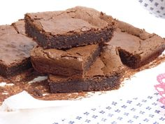 Chocolate Desserts, Recipes, Brownies, Food, Ideas, Almond Cupcakes, Torte Recipe, Sweet And Saltines, Deserts