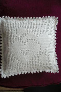 Crochet Pillow Cases, Crochet Doily Rug, Crochet Cushion Cover, Crochet Carpet, Crochet Pillow Pattern, Pillowcase Pattern, Crochet Cushions, Filet Crochet, Doily Patterns