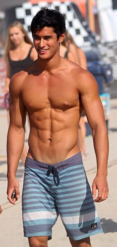 Hot guys pictures every day! Only the most attractive men, cute boys and fit jocks. You're all invited for some much needed daily male eye-candy. Boys Instagram, Le Male, Men Beach, Beach Guys, Shirtless Men, Attractive Men, Good Looking Men, Muscle Men, Ripped Muscle