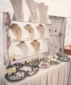 https://flic.kr/s/aHsk6LG6wc | 2014 Hobnob Holiday Market