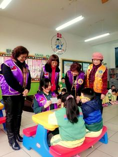 Chernuei #LionsClub (Taiwan) donated books and held a vision screening for kindergarten students