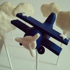 Vintage airplane cake pops and clouds by Evie and Mallow
