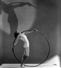 A fashion photo by George Hoyningen-Huene for Vogue, 1930