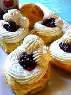 In en om die huis: Respete: Platter Idees Pancakes, Om, Cheesecake, Scones, Breakfast, Desserts, Weddings, Morning Coffee, Deserts