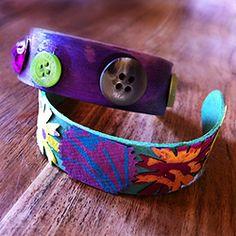 Popsicle stick bracelets, summer craft idea.