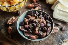 Kjapt, friskt og knasende tilbehør til ost Matcha, Deserts, Beans, Vegetables, Breakfast, Food, Morning Coffee, Essen, Postres