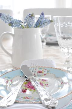 Lovely. Vintage china for a bridal tea or wedding.