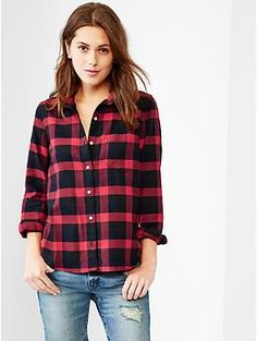 Fitted boyfriend plaid oxford shirt