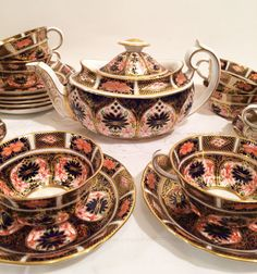 Beautiful Royal Crown Derby  imari teaset  with eight cups and saucers