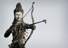 La famosa parábola de la flecha envenenada ilustra la simpleza del sistema budista: ocuparse de lo que el momento dicta es el inicio del camino a la liberación
