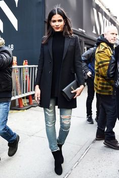 Street Style: How To Elevate A Pair Of Ripped Jeans