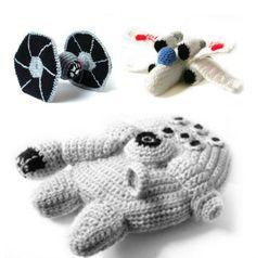 Patrones de Amigurumi de dificultad fácil y medio para las naves de Star Wars. Hacer tu propio Tie Fighter, el X Wing y el Halcón Milenario.