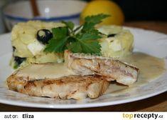 Rybí filé s máslovou omáčkou recept - TopRecepty.cz Camembert Cheese, Dairy, Meat, Chicken, Food, Essen, Meals, Yemek, Eten