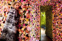 Salon Dior: Peony, Roses, Garden Roses, Zinnia, Dalhia, Campanula, Achilliea