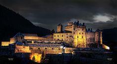 Château Queyras, Hautes Alpes #provence #france #tourismepaca #tourismpaca #night #nuit #black #noir #queyras #hautes #alpes #alps #chateau #castle