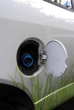 Ecomove Announces Mile Range Electric Vehicle Based On The