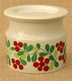 Arabia (Finland) lingonberry design jam jar with lid Modern Patterns, Jam Jar, Arts, Textile Art, Finland, Porcelain, Pottery, Ceramics, Dishes