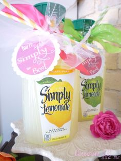 You're simply the best lemonade gift 15 creative ideas to show gratitude for those kind people in your life! Create thank you gift ideas including: free printable gift card holders, tags, and more! Simple Gifts, Easy Gifts, Creative Gifts, Homemade Gifts, Cool Gifts, Creative Ideas, Teacher Appreciation Gifts, Teacher Gifts, Volunteer Appreciation