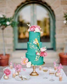 I spy aon this  Photography by @rebeccayale | Photo lab @richardphotolab | Event coordination @toastsantabarbara | Cake @lelepatisserie | Rentals @theark_ @foundrentals @latavolalinen | #weddingcake #ispy #bird #cake #wedding #weddinginspo #weddingchicks