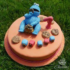 #eventcakes #geburtstagstorte #birthdaycake #hochzeitstorte #weddingcake #torte #motivtorten #tortendesign #fondanttorte #tortendekoration #tortenkunst #fondantcakes #charactercakes #cakeart #cakedesigner #sugarart #fondant #sugarpaste #kruemelmonster #cookiemonster #keks #sesamstrasse #sesamestreet Character Cakes, Birthday Cake, Desserts, Food, Fondant Cakes, Biscuits, Birthday Cake Toppers, Wedding Pie Table, Ideas